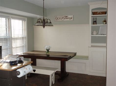 remodelaholic kitchen renovation with built in banquette seating
