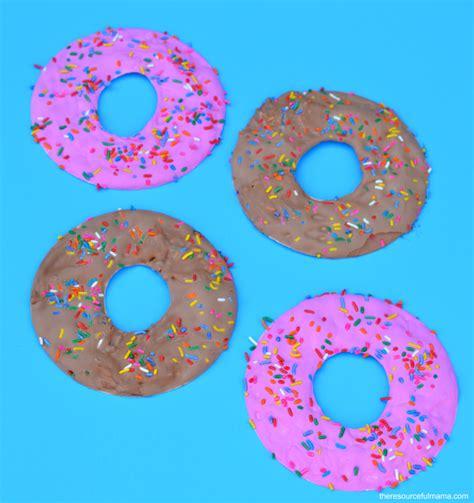 glaze paper craft paper plate doughnut craft the resourceful