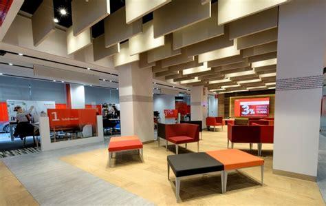 oficinas de banco santander as 237 ser 225 n las 900 oficinas renovadas de banco santander