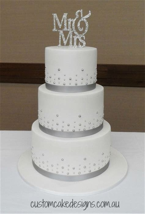 25 best ideas about wedding cake simple on wedding cakes simple