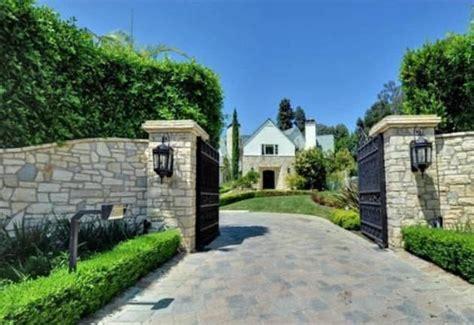 Farmhouse Home Designs estate gate ca driveway gate access control