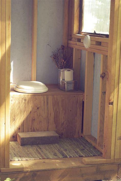 Eco Outdoor Toilet by Best 25 Outdoor Toilet Ideas On Pinterest