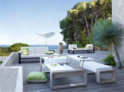 outdoor furniture for patio applying the modernity from the outside by purchasing the