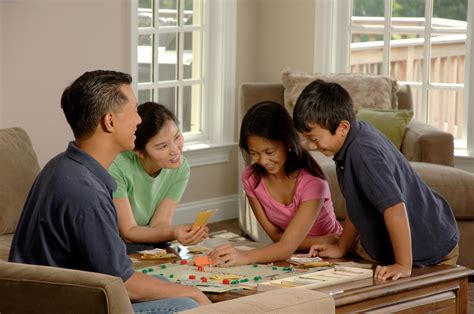 family play file family a board 2 jpg wikimedia commons
