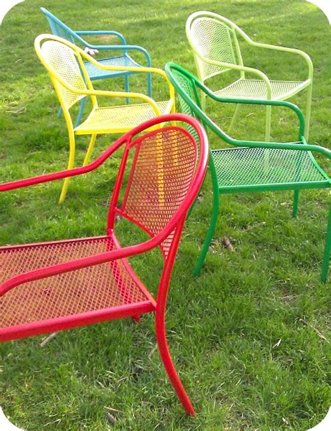 spray painting metal chairs 25 best ideas about painted patio furniture on