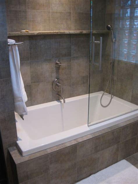 bath shower combination 25 best ideas about bathtub shower combo on