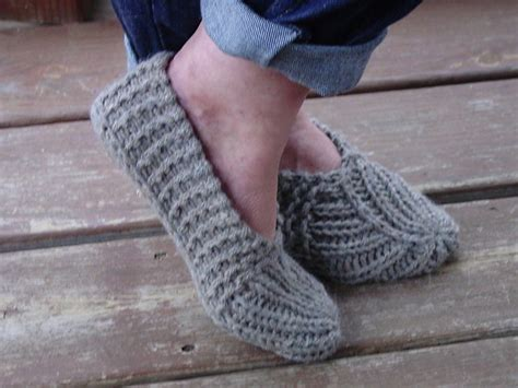 knitted shoes pattern free knitted slippers pattern the sweetest ideas the whoot