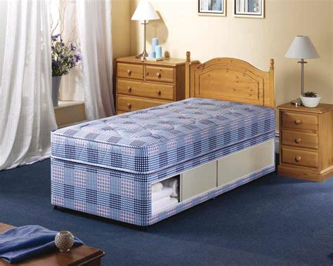 small beds beds for small rooms to create a larger look