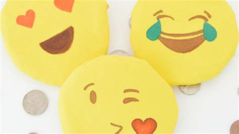 crafts to do for how to make emoji coin purses diy crafts tutorial