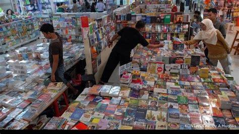 di gramedia gramedia akan menambah enam toko buku tahun ini