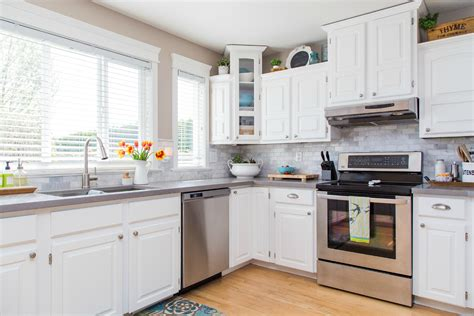 best paint to paint kitchen cabinets ideas to paint kitchen cabinets 15 best white kitchen