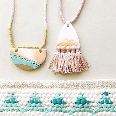 how to make ceramic jewelry 25 best ideas about ceramic jewelry on