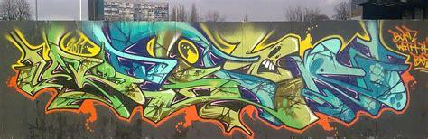 spray paint graffiti techniques colors graffiti spray paint cans