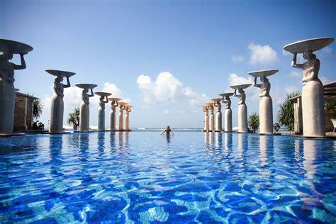 Bali Infinity Pool mulia tuula