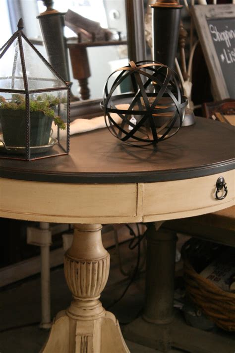 chalk paint table top reloved rubbish leather topped table chalk paint makeover