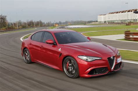 Alfa Romeo by 2016 Alfa Romeo Giulia Quadrifoglio Review Photos