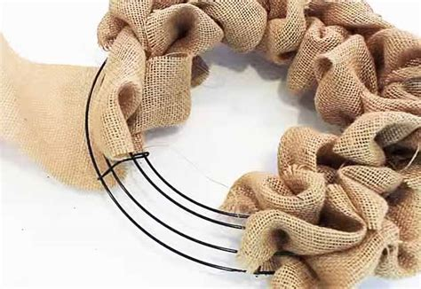 country crafts to make how to make a burlap wreath diy