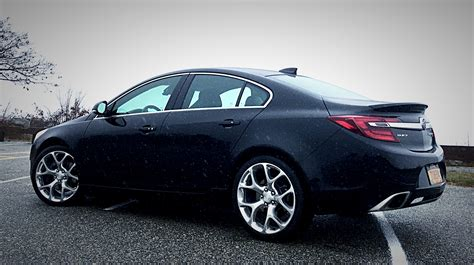 2016 Buick Regal Gs by 2016 Buick Regal Gs Looks Shifting Lanes