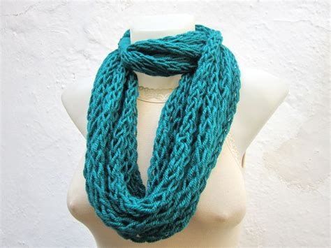 finger knitting scarf infinity scarf finger knitting scarf teal necklace by
