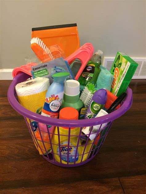 college gifts 25 best ideas about graduation gift baskets on