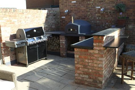 Outdoor Kitchen Designs With Pizza Oven Uk