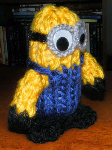 how to knit minions the loom muse how to loom knit a minion