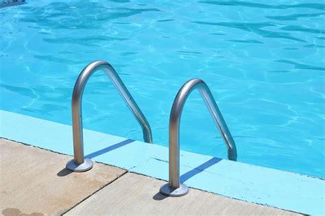 n oubliez pas l 233 chelle de votre piscine 224 partir d une certaine hauteur piscines et