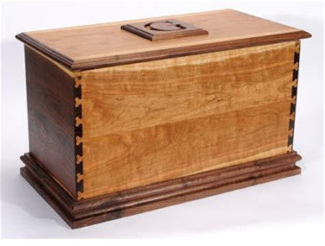 blanket chest woodworking plans how to blanket chest or box plans free woodworking