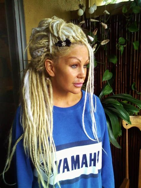 how to put dread on how to install synthetic ended dreads