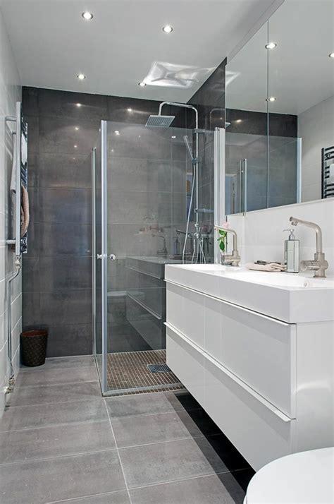 d 233 co salle de bain en gris et blanc