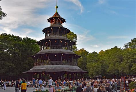 Wohnmobilstellplatz Englischer Garten München by Chinesischer Turm Im Englischen Garten Die Weltenbummler