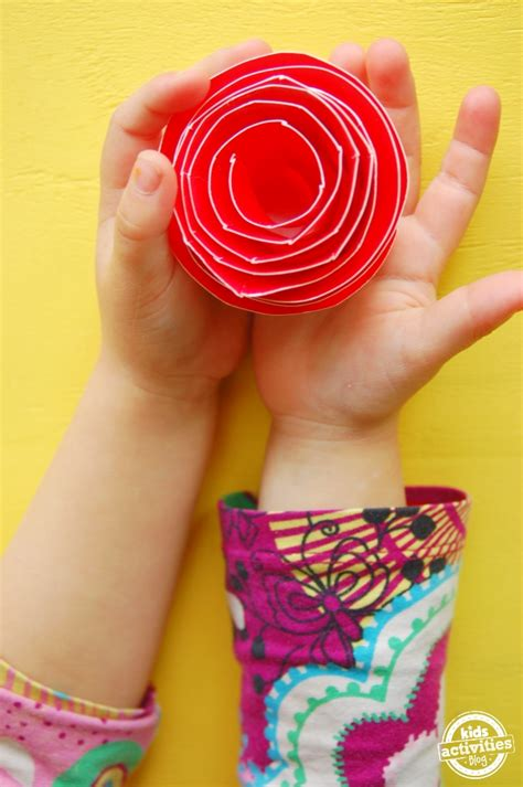 how to make paper plate crafts 25 paper plate crafts