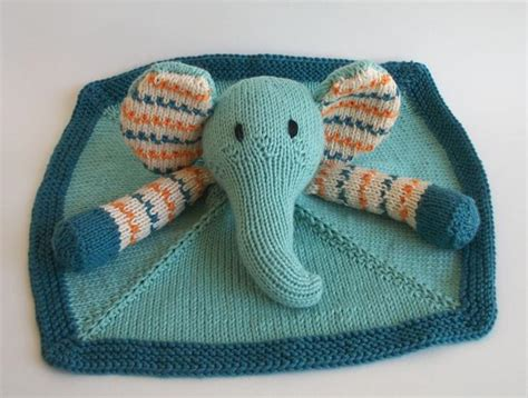 buddy blanket knitting pattern baby pears blanket buddy knitting patterns and crochet