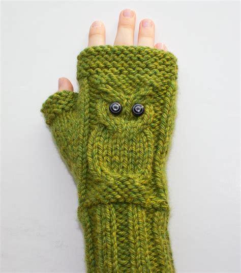owl fingerless gloves knitting pattern knitting pattern cable owl gloves fingerless by surlysheepshop