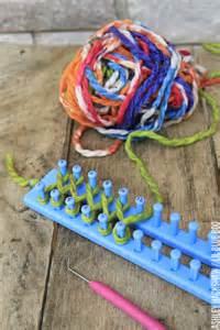 diy knitting loom easy diy scarf using a loom hackshaw lil blue boo