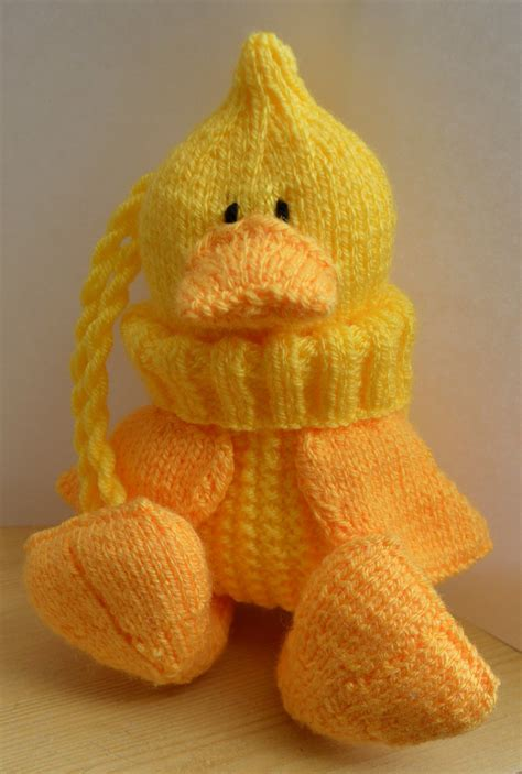 duck knitting pattern quacky baggles easter knitting pattern knitting by post