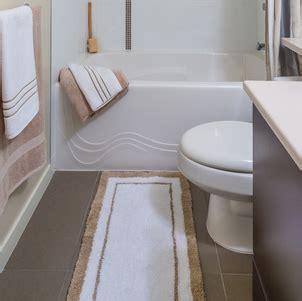 can you wash bathroom rugs how to wash bath rugs roselawnlutheran