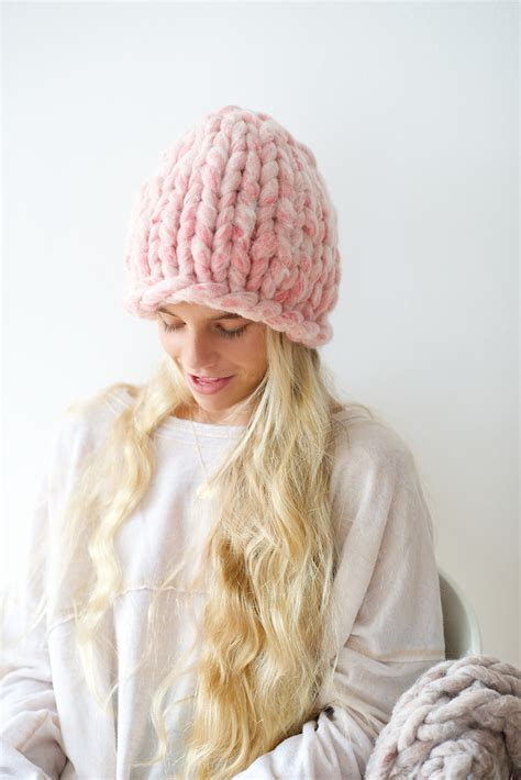 best yarn for knitting hats big loop knitted hat tutorial