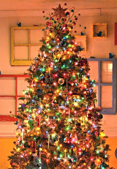 how to properly decorate a tree 40 easy tree decorating ideas