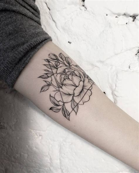 the 25 best geometric tattoos ideas on pinterest