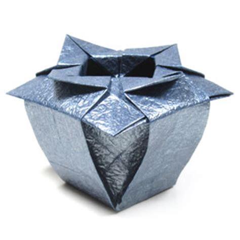 easy origami vase how to make a verdi s origami vase page 1