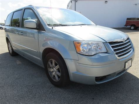 Chrysler Dealers In Ohio by Columbus Car Dealers With Used Minivans 56 Auto Sales