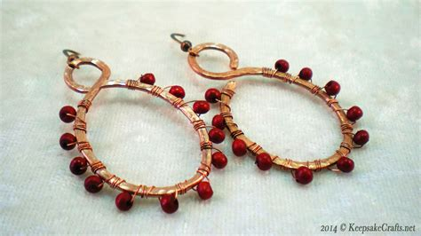 how to make bead jewelry with wire bead wrapped hammered wire earrings tutorial