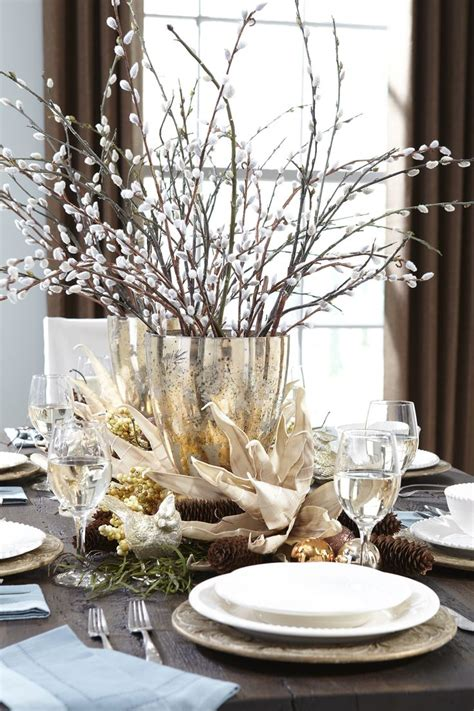 Dining Table Centerpiece Ideas Pictures by 1000 Ideas About Christmas Table Centerpieces On