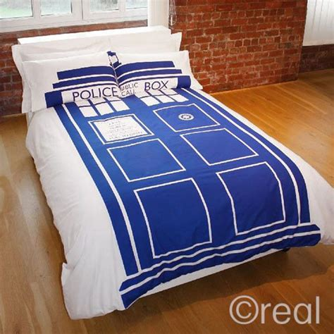 nerdy comforter sets 18 fantastically geeky comforters and duvet covers neatorama