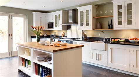 classic painted white shaker kitchen from harvey jones classic painted white shaker kitchen from harvey jones