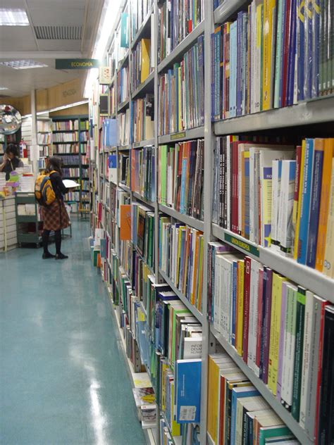 casa del libro es file casa del libro madrid 9494042 jpg wikimedia commons