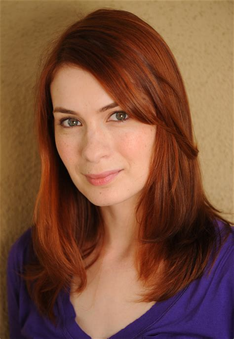 what is felicia day s hair color image felicia day jpg the guild wiki