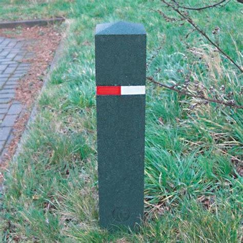 rubber st uk berkeley recycled rubber bollards 183 barriers direct