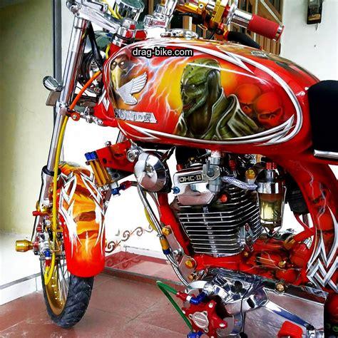 Gambar Motor Otomotif by 90 Modifikasi Scoopy Velg 17 Airbrush Otomotif